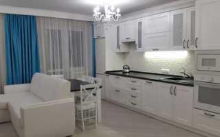 Дизайн кухни гостиной в белых тонах