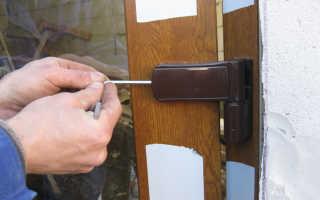 Как отрегулировать металлопластиковую дверь?